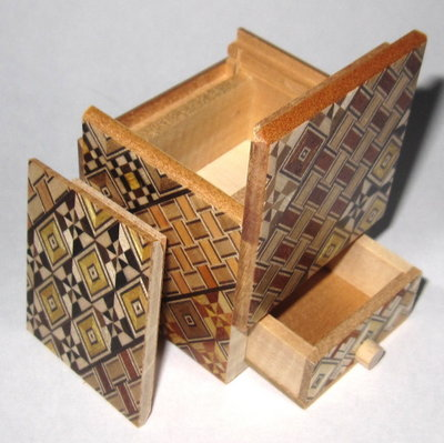 2 Sun 4 Step Cube (with Drawer) Japanese Puzzle Box